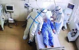 Trung tâm hồi sức tích cực lớn nhất miền Bắc tiếp nhận 6 bệnh nhân COVID-19 nặng đầu tiên