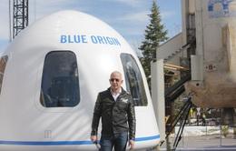 Tỷ phú Jeff Bezos bay thành công vào không gian - bước ngoặt trong ngành du lịch vũ trụ tư nhân