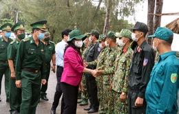 Phó Chủ tịch nước thăm lực lượng chống dịch COVID-19 ở biên giới Tây Nam