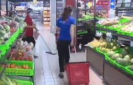 TP. HCM: Nhiều siêu thị triển khai bán hàng tại chỗ
