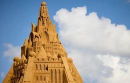 Chiêm ngưỡng lâu đài cát cao nhất thế giới tại Đan Mạch