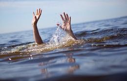 Nam Định: Học sinh lớp 8 đuối nước trên sông Đáy