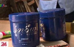 Bắt giữ kho chứa 4 tấn mỹ phẩm mác ngoại nhập lậu tiêu  thụ ở spa, tiệm cắt tóc ở Hà Nội