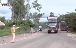 Kon Tum: Tước phù hiệu lái xe khai man lịch trình khi qua chốt kiểm soát dịch