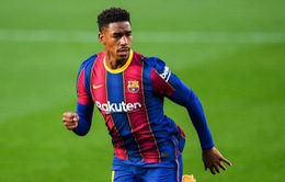 Barcelona chấp nhận bán lỗ Junior Firpo