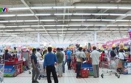Người dân Đồng Nai đổ xô đi mua hàng tại các siêu thị