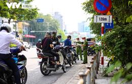 """6 tổ công tác đặc biệt của Hà Nội ra quân, xử lý nhiều người vi phạm, """"né chốt"""""""
