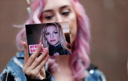 """Tâm thần Britney Spears bị """"tác động nghiêm trọng"""" khi cha cô vẫn giữ quyền bảo hộ"""