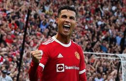 ẢNH: Ronaldo rực sáng trong ngày ra mắt Man Utd