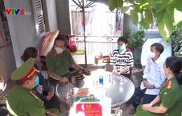 Công an TP Đà Nẵng trao tặng 2.000 phần quà cho các hộ nghèo