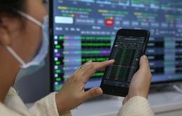 Cổ phiếu vốn hóa lớn đồng loạt tăng, VN-Index áp sát mốc 1.350 điểm