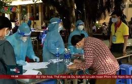 Còn nhiều bất cập khi triển khai tiêm vacxin cho người dân