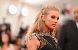 Taylor Swift dẫn đầu đề cử CMA Awards 2013