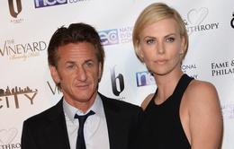 Con gái Sean Penn có thiện cảm với bạn gái mới của cha