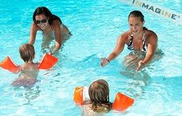 Cần trang bị kỹ năng bơi, cứu hộ cho trẻ