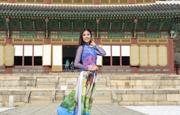 Ngọc Hân khoe dáng với áo dài tại xứ Hàn