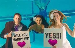 Lễ cưới dưới nước vô cùng độc đáo