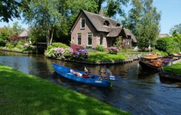 Khám phá ngôi làng không có đường bộ ở Hà Lan