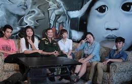 Thái Thùy Linh đồng hành cùng đêm rock Tuổi 20 hát