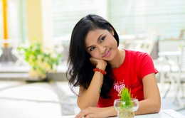 Việt Trinh hài lòng với... quần jean và áo phông rẻ tiền