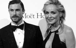 Sharon Stone chia tay bồ trẻ