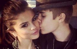 Justin Bieber từng khóc nhè vì Selena Gomez
