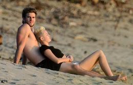 Miley Cyrus chưa muốn trả nhẫn đính hôn cho tình cũ