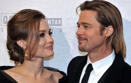 Brad Pitt mua máy bay riêng cho hôn thê