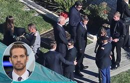 Người thân nghẹn ngào trong đám tang Paul Walker