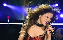 """Selena Gomez """"vật lộn"""" với cuộc sống không Justin Bieber"""