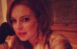 """Danh sách bạn tình rò rỉ, Lindsay Lohan cảm thấy """"bẽ mặt"""""""