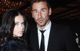 Siêu mẫu Victoria's Secret chia tay chồng