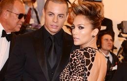 Jennifer Lopez vẫn gần gũi với tình cũ