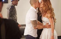 Jennifer Lopez và bồ cũ vẫn sống chung nhà