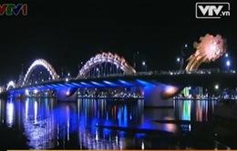 Đà Nẵng: Cầu Rồng phun nước và lửa đêm Giao thừa