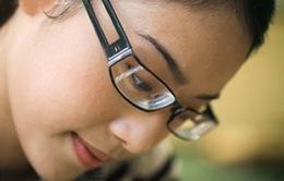 Chọn kính cho người bị cận thị