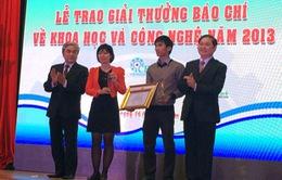"""""""Nhà sáng chế"""" đoạt giải nhất Giải báo chí về KH&CN năm 2013"""