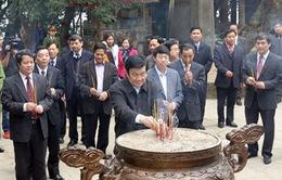 Chủ tịch nước thăm Đền Hùng nhân dịp Tết cổ truyền