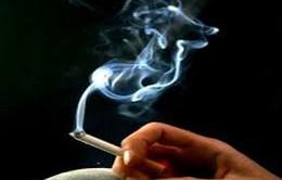 Hút thuốc lá mau già
