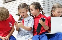 Trẻ lành mạnh phải biết tắt thiết bị di động