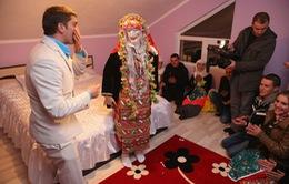 Lạ mắt với đám cưới cổ xưa ở Bulgari