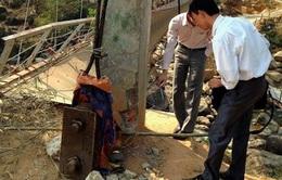 Lai Châu: Tiếp tục kiểm tra trụ cổng cầu treo Chu Va 6
