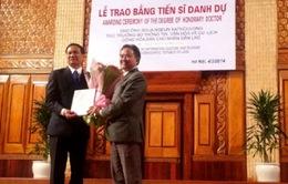 Nghệ sĩ quốc gia Lào và tình cảm đặc biệt với Việt Nam