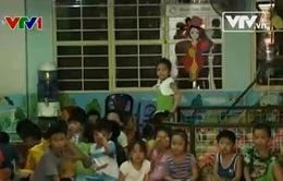 Góc khuất đằng sau các cơ sở giữ trẻ không phép