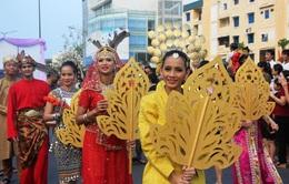 Rực rỡ sắc màu Lễ hội đường phố Festival Huế 2014