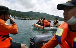 Chìm thuyền tại Indonesia làm 7 người thiệt mạng