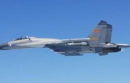 Máy bay chiến đấu Trung Quốc áp sát máy bay Nhật Bản trên biển Hoa Đông