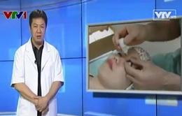 Ai có thể phẫu thuật mắt bằng lasik?
