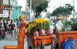 """Ùn ứ hàng nghìn tấn rác ở TP.HCM vì công nhân bị """"treo"""" lương"""