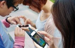 Bạn bỏ lỡ những gì khi quá say mê smartphone?